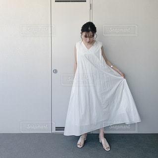 夏の白ワンピ♡の写真・画像素材[3512292]