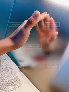 手と手の写真・画像素材[2030526]