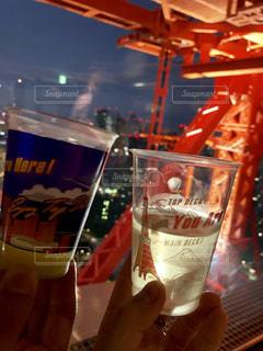 東京タワー,夜,夜景,カップル,グラス,記念日,乾杯,休日,ドリンク,デート,祝日,付き合った日,トップデッキ,東京タワートップデッキ