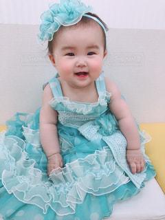7か月ベイビーのドレス姿の写真・画像素材[2121384]