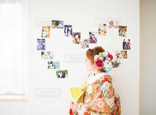 おばあちゃんとの思い出写真と一緒に。おばあちゃん大好きの写真・画像素材[2266668]