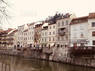 茶色,川,ヨーロッパ,都会,スロベニア,運河,ランドスケープ,リュブリャナ,ミルクティー色