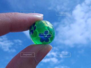 とんぼ玉の写真・画像素材[2010362]