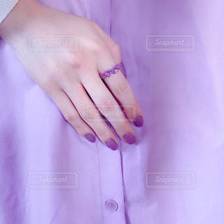 紫コーデの写真・画像素材[1957118]