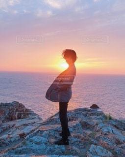 出雲日御碕灯台の夕陽の写真・画像素材[2647049]