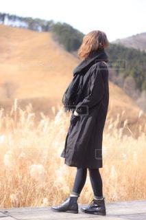 黒コーデな女子の写真・画像素材[2824603]