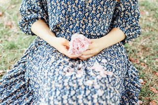 花柄ワンピースの写真・画像素材[3106570]