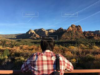 男性,自然,風景,空,屋外,アメリカ,山,人物,人,砂漠,パワースポット,ハイキング,セドナ,谷,峡谷