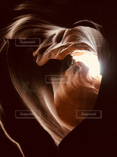 アンテロープキャニオンのハートの写真・画像素材[2271097]