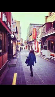 モデル,後ろ姿,散歩,女の子,観光,人物,旅行,韓国,デート,不思議,ソウル,女旅,彼女,アラサー,ガールフレンド,令和