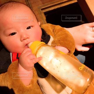 屋内,人物,人,赤ちゃん,服,防寒着,ミルクティー色