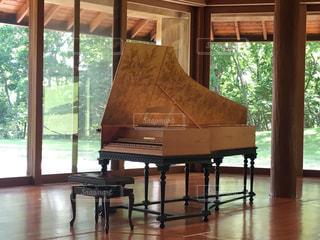 木製,楽器,音楽,コンサート,ホール,チェンバロ,ミルクティー色,八ヶ岳音楽堂