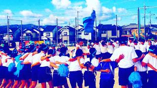 学校,体育祭,グラウンド,円陣,青団