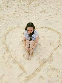 女性,海,夏,海外,砂,ビーチ,足,砂浜,茶色,女の子,ハート,人物,人,浜辺,ハワイ,ベージュ,海外旅行,女の人,ミルクティー色