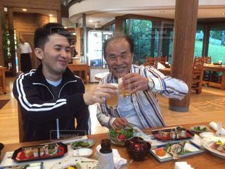屋内,テーブル,乾杯,パパ,ありがとう,父の日,感謝