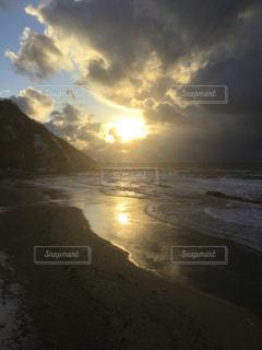 海,空,太陽,ビーチ,砂浜,夕暮れ,水面,光