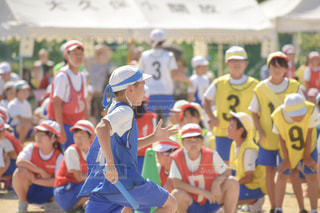 小学生,男の子,運動会,小学校,リレー,バトン,青組,バトンパス