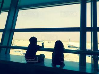 後ろ姿,旅行,空港,二人,休日,楽しみ,たのしみ