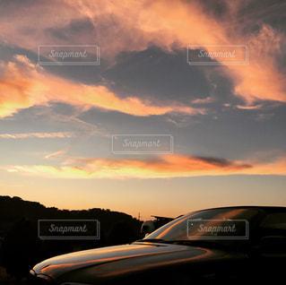 クローズド,夕陽,じゃのひれオートキャンプ場,ボンネットに写る夕陽