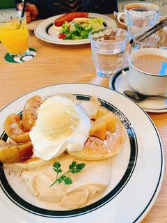 カフェ,パンケーキ,茶色,アイス,りんご,紅茶,ベージュ,ミルクティー,ミルクティー色,紅茶クリーム