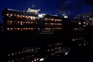 空,建物,夜,屋外,都会,リラックス,旅館,ノスタルジック,ライフスタイル,木造建築,黄昏時