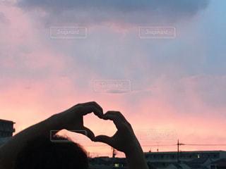 空,屋外,ピンク,雲,夕暮れ,水色,影,ハート,パステルカラー