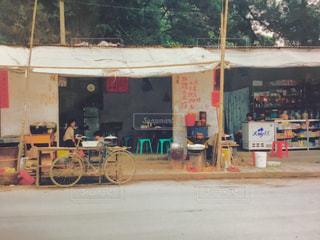 自転車,屋外,屋台,道路,カート,香港,フィルム,街中,売店,車両,フィルム写真,ホイール,テキスト,フィルムフォト
