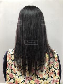 いつまで髪の毛を染めずにいられるか挑戦!の写真・画像素材[2301730]