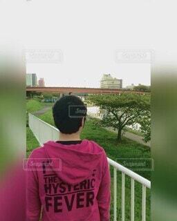 風景,空,屋外,緑,男,樹木,人物,人,夕やけ,草木,男の人