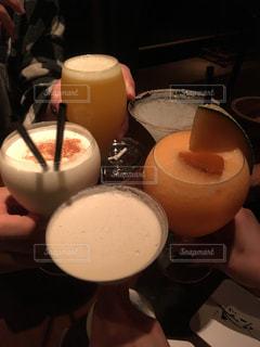 人物,人,グラス,カクテル,乾杯,飲み会,ドリンク,アルコール,飲料,おつかれ