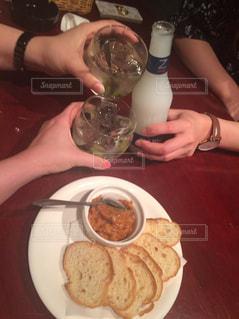 食べ物,人物,人,グラス,ビール,カクテル,乾杯,飲み会,ドリンク,女子会,アルコール,飲み,打ち上げ,飲料,ZIMA,おつかれ