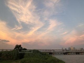 ピンク色の空の写真・画像素材[1978447]