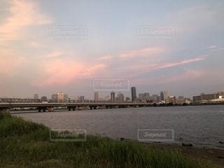 ピンク色の空の写真・画像素材[1978453]