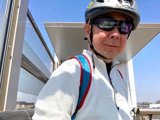 自転車,サングラス,青空,楽しい,セルフィ,ゴーグル,遊び,サイクリング,休日,ヘルメット,MTB,天気,気持ちいい,快適,中年男性,心地良い,リモートシャッター