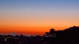 夕焼けのグラデーションの写真・画像素材[3349213]
