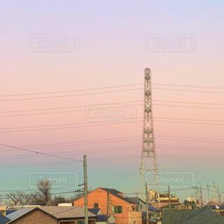 夕景の鉄塔の写真・画像素材[4093797]