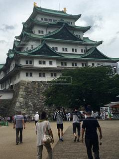 家族,建物,屋外,後ろ姿,歩く,城,人物,背中,人,後姿,名古屋城,歩く人,歩く人々