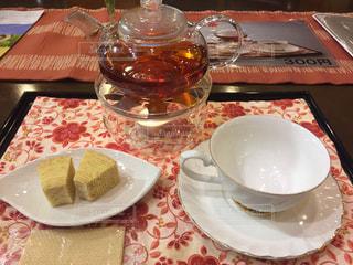 飲み物,綺麗,茶色,休憩,お菓子,ティータイム,お茶,紅茶,ミルクティー,バームクーヘン,おしゃれ,ミルクティー色