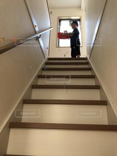 階段の上からの写真・画像素材[2178890]