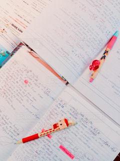 女子中学生の英語の勉強会の写真・画像素材[2258928]
