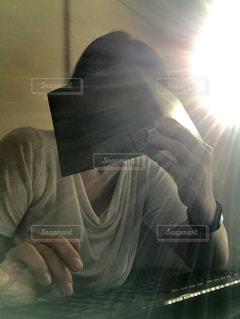 PCではなくおばちゃんフリーズの写真・画像素材[2417651]