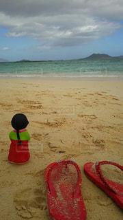 海,哀愁,ビーチ,後ろ姿,砂浜,背中,ビーチサンダル,ハワイ,手作り,後ろ,ビーサン,民族衣装,インスタ,後ろ向き,チョゴリ,インスタ映え,手作り人形,インスタ映えスポット,韓国人形,ハワイ韓国コラボ