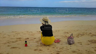 海,ビーチ,後ろ姿,砂浜,背中,後ろ,インスタ,後ろ向き,インスタ映え