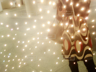 光が浮かぶミラーの写真・画像素材[2638709]
