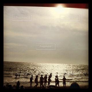 夏のビーチ・人々の写真・画像素材[2993173]
