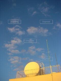 屋上と空の風景の写真・画像素材[4129004]