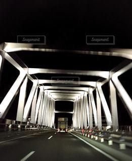 夜間ドライブの写真・画像素材[2043064]