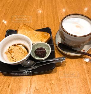 カフェでモーニングの写真・画像素材[2287843]