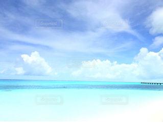 ふわふわな雲の写真・画像素材[2305912]