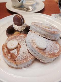 食べ物,パンケーキ,朝食,かわいい,デザート,皿,ホテル,マカロン,ミルクティー色のパンケーキ,サツキのパンケーキ